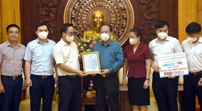 Nhóm thiện nguyện Hạt giống tâm hồn hỗ trợ Bắc Giang và Bắc Ninh - 1