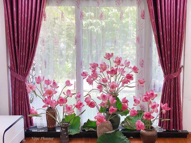 Yêu thích hương hoa mùa hạ, cô giáo Hà Nội mang cả đầm sen vào nhà - 2