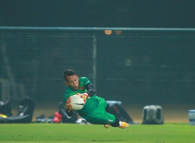 Văn Hậu trở lại, HLV Park Hang Seo thử tài thủ môn chờ đấu Indonesia - 5