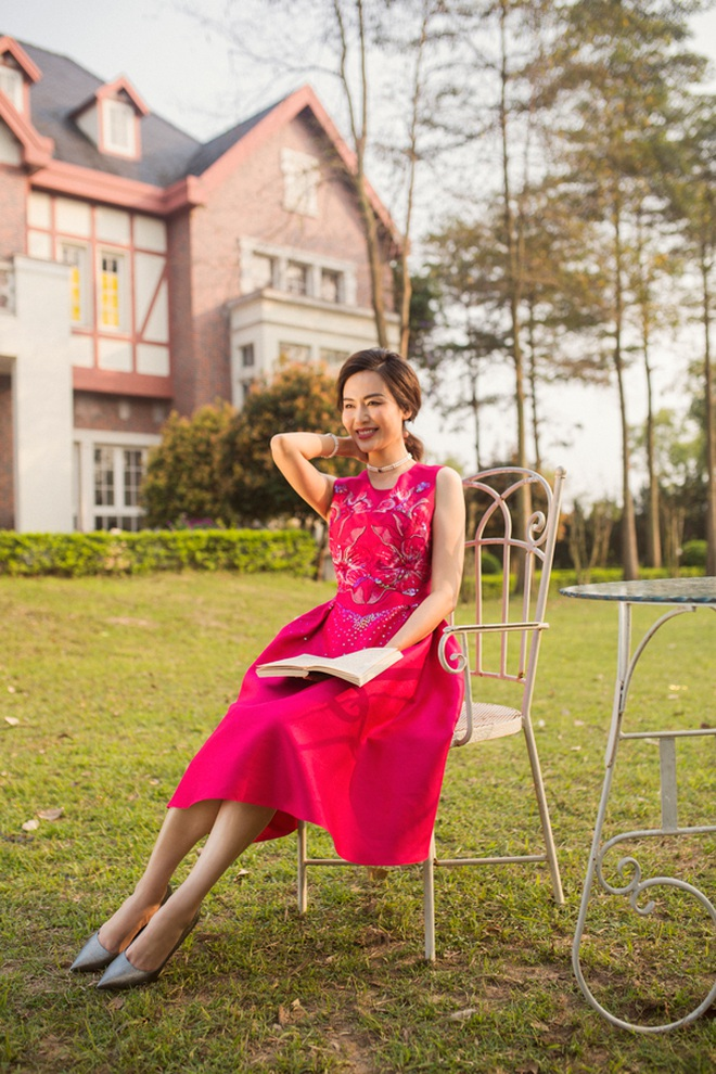 Hoa hậu Thu Thủy ngoài đời và những phát ngôn trên Facebook rất khác nhau - 4