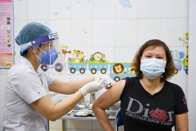 Đài NHK: Nhật Bản xem xét gửi trực tiếp vắc xin Covid-19 cho Việt Nam - 1