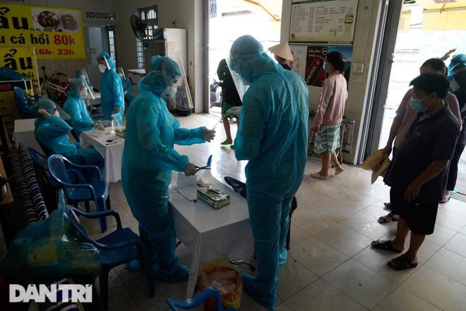 TPHCM thêm 5 ca nghi nhiễm SARS-CoV-2 trong cộng đồng, số ca nhiễm mới giảm - 1