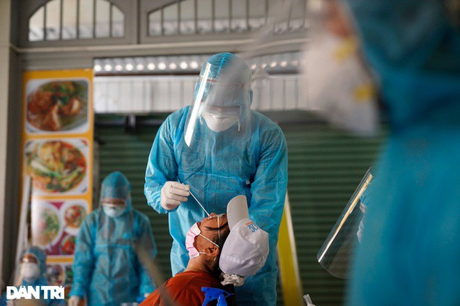 TPHCM: Thêm 10 ca dương tính với SARS-CoV-2, 5 bệnh nhân rất nặng - 1