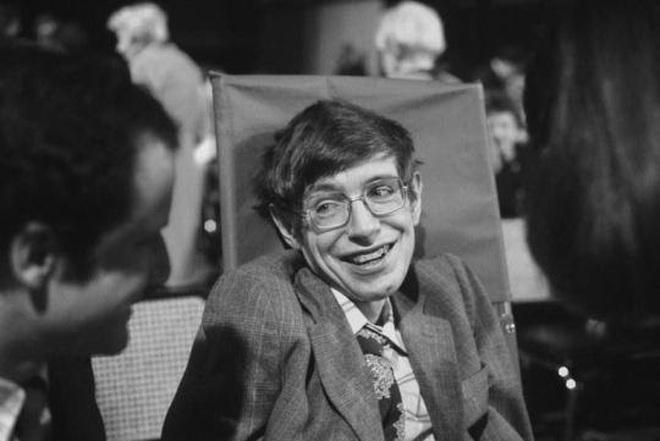 Cuộc đời và sự nghiệp của ông hoàng vật lý Stephen Hawking - 12