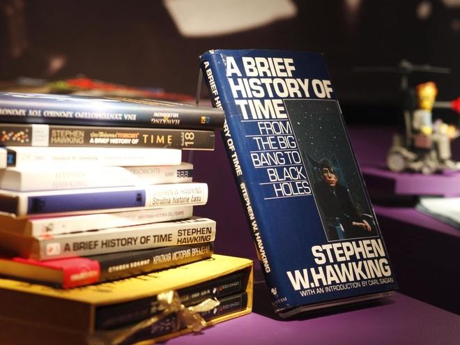 Cuộc đời và sự nghiệp của ông hoàng vật lý Stephen Hawking - 20