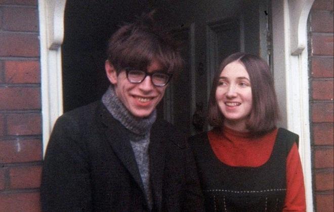 Cuộc đời và sự nghiệp của ông hoàng vật lý Stephen Hawking - 7