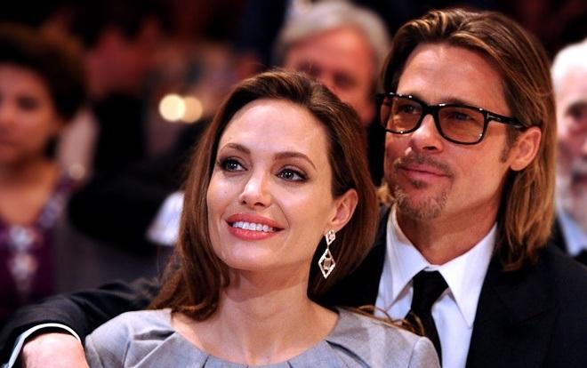 Angelina Jolie mặc váy vàng rực đi ăn mừng sinh nhật cùng 6 người con - 8