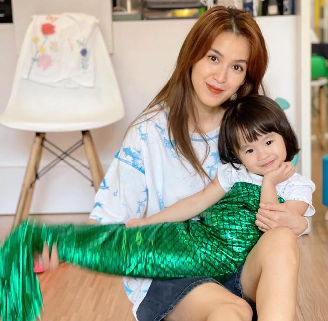 Cá sấu chúa Quỳnh Nga khoe dáng nóng bỏng - 3