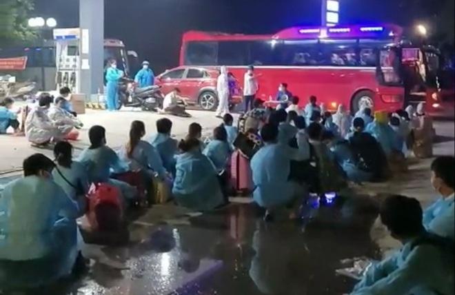 Diễn biến dịch 6/6: TPHCM phong tỏa chung cư, Bắc Giang di tản công nhân - 2