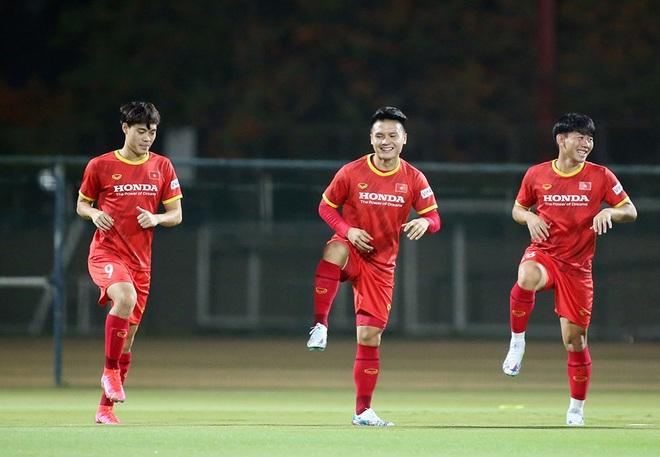 Thầy Park giúp Quang Hải, Công Phượng luyện tuyệt chiêu đấu Indonesia - 2
