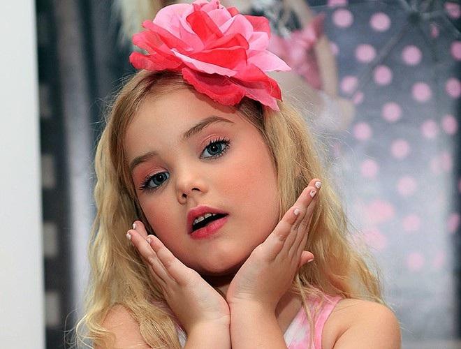 Hoa hậu nhí từng tiêm botox năm 4 tuổi lột xác ở tuổi trưởng thành - 4