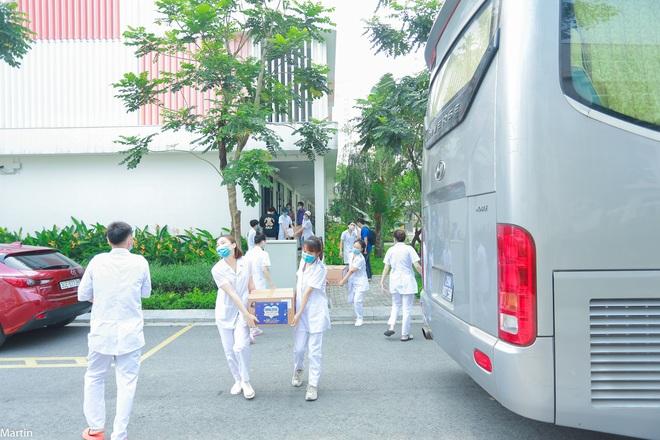 Hơn 20 thầy trò xếp bút nghiên xung phong lên hỗ trợ tâm dịch Bắc Ninh - 3