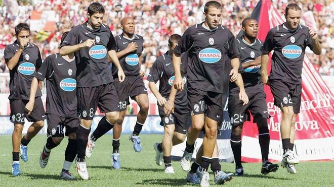 Bóng ma Calciopoli và chức vô địch thế giới đẫm nước mắt của Italia - 2
