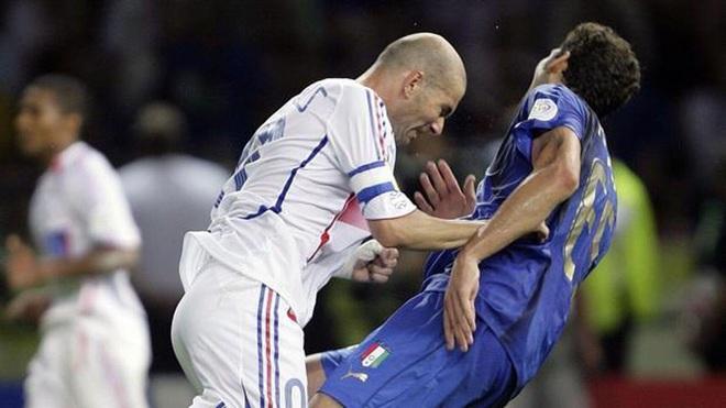 Bóng ma Calciopoli và chức vô địch thế giới đẫm nước mắt của Italia - 3