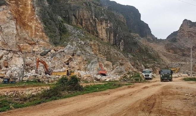 Dân bức xúc vì xe quá tải ra vào mỏ đá gây mất an toàn - 1