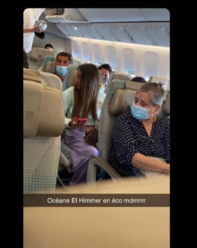 Hotgirl sống ảo: Chụp ảnh trong khoang thương gia dù ngồi ghế phổ thông - 3