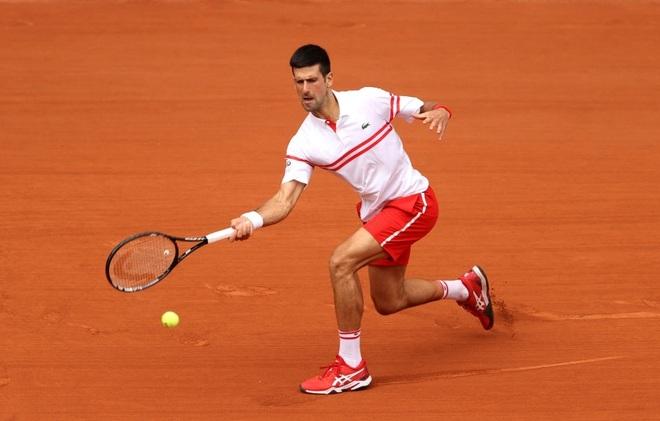 Sao trẻ người Italia bỏ cuộc, Djokovic giành vé vào tứ kết - 1