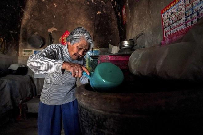 Khủng hoảng dân số ập đến, người già Trung Quốc lo sợ tương lai - 1