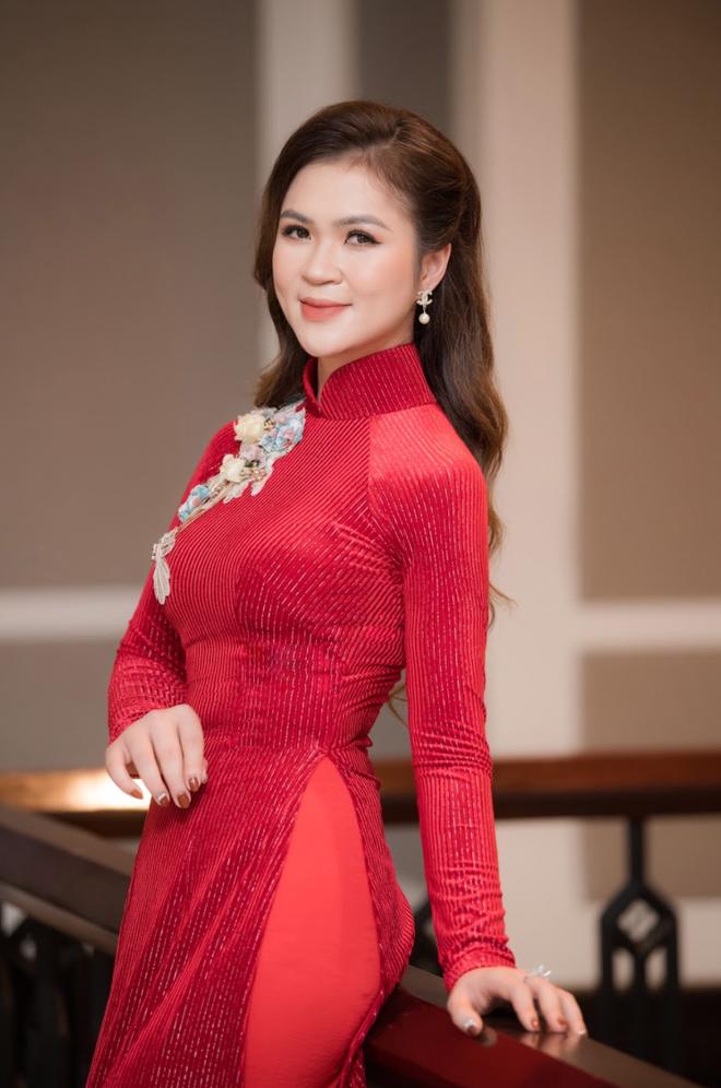 Diễm Hương làm giám khảo cuộc thi Nữ hoàng trang sức - 3