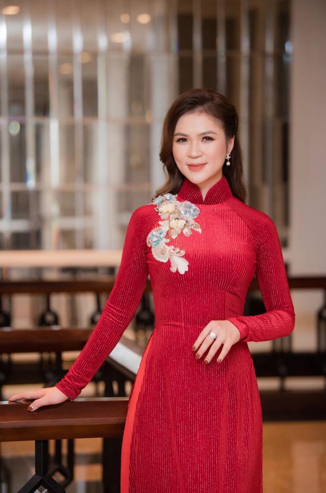 Diễm Hương làm giám khảo cuộc thi Nữ hoàng trang sức - 2