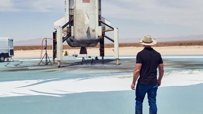 Ông chủ Amazon sẽ bay vào vũ trụ - 1