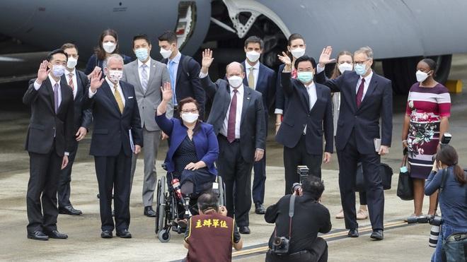 Lý do Mỹ dùng máy bay vận tải khủng đưa các nghị sĩ tới Đài Loan - 1