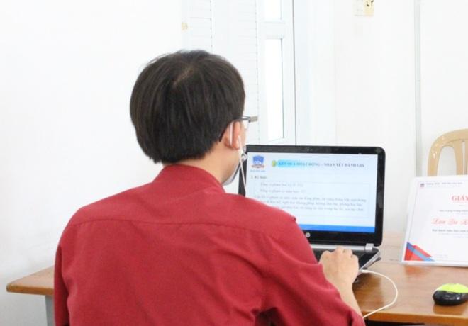 TPHCM: Lấy ý kiến giáo viên đánh giá về hiệu trưởng - 1