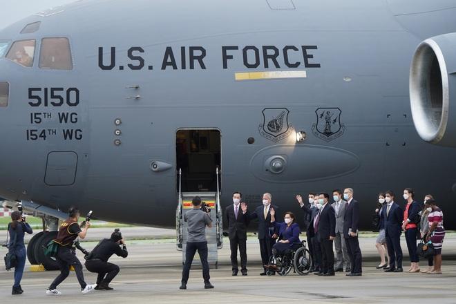 Lý do Mỹ dùng máy bay vận tải khủng đưa các nghị sĩ tới Đài Loan - 2