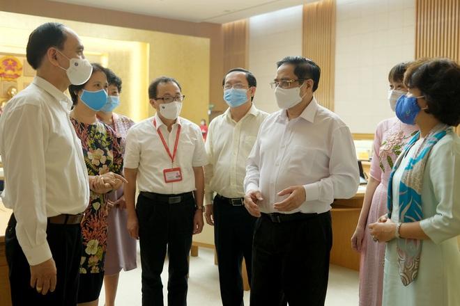 Thủ tướng: Chiến lược là phải sản xuất được vắc xin phòng Covid-19 - 2