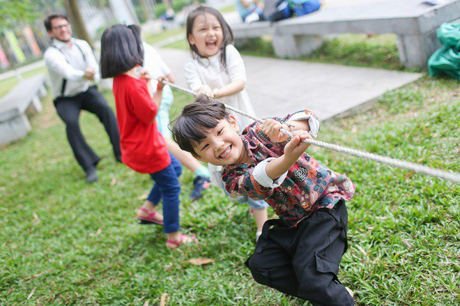 Cảnh giác vì ở nhà trốn dịch trẻ nảy sinh cảm xúc tiêu cực, mất kiểm soát - 1