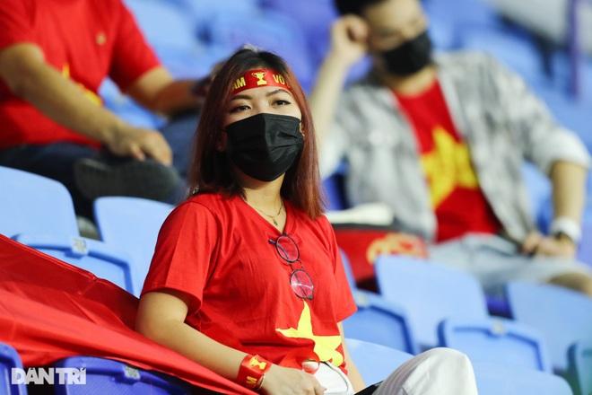 Việt Nam 4-0 Indonesia: Duyên ngầm của Công Phượng - 23