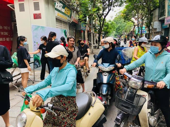 Người phụ nữ phát tặng 2 tấn vải thiều: Tấm lòng của mình với Bắc Giang - 4