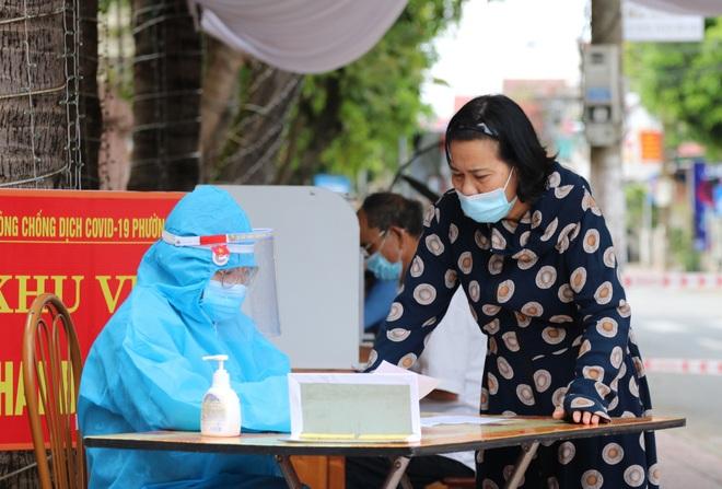 Giãn cách xã hội toàn thành phố Hà Tĩnh từ 12h hôm nay - 7