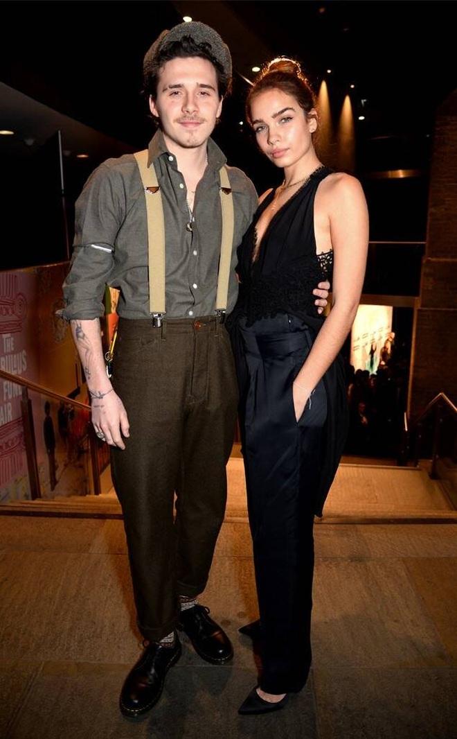Tình cũ của Brooklyn Beckham diện áo tắm khoe vòng một khiêm tốn - 5