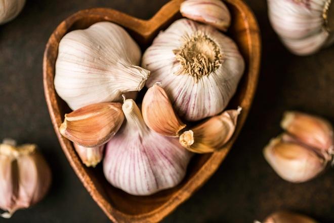 Những lợi ích tuyệt vời của việc ăn tỏi sống - 1