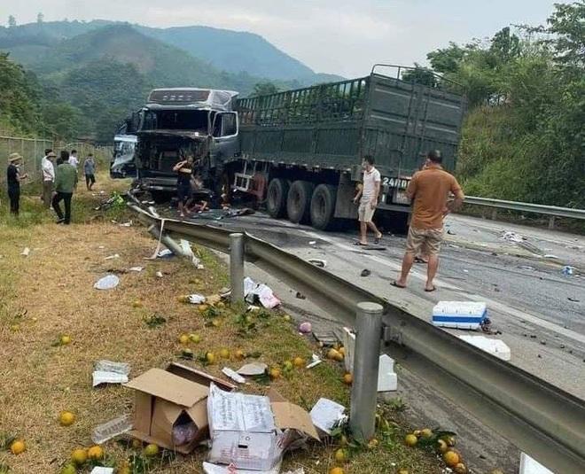 Bốn ô tô va chạm liên hoàn trên cao tốc Nội Bài - Lào Cai - 3