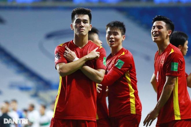 Chuyên gia Malaysia choáng ngợp trước sức mạnh đội tuyển Việt Nam - 1