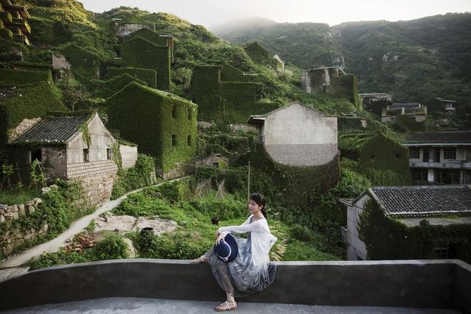 Cây xanh nuốt chửng làng ma nổi tiếng Trung Quốc - 7