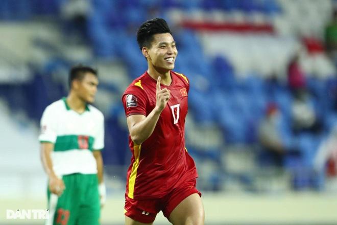 Cầu thủ nào xuất sắc nhất của tuyển Việt Nam ở trận thắng đậm Indonesia? - 2