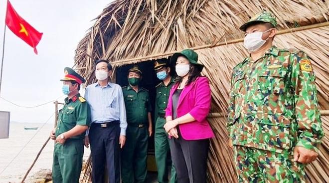 Phó Chủ tịch nước kiểm tra công tác chống dịch ở biên giới Kiên Giang - 1