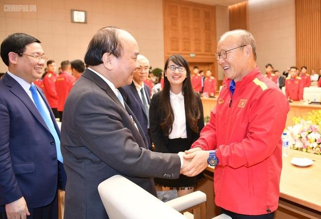 Chủ tịch nước và Chủ tịch Quốc hội chúc mừng đội tuyển Việt Nam - 1