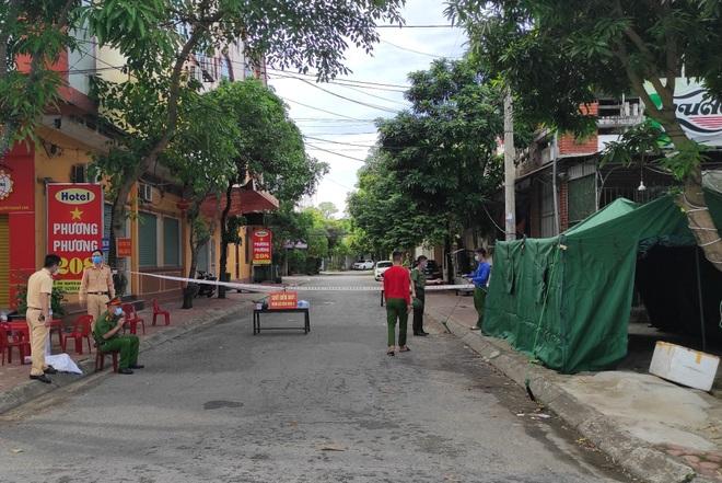 Giãn cách xã hội toàn thành phố Hà Tĩnh từ 12h hôm nay - 2