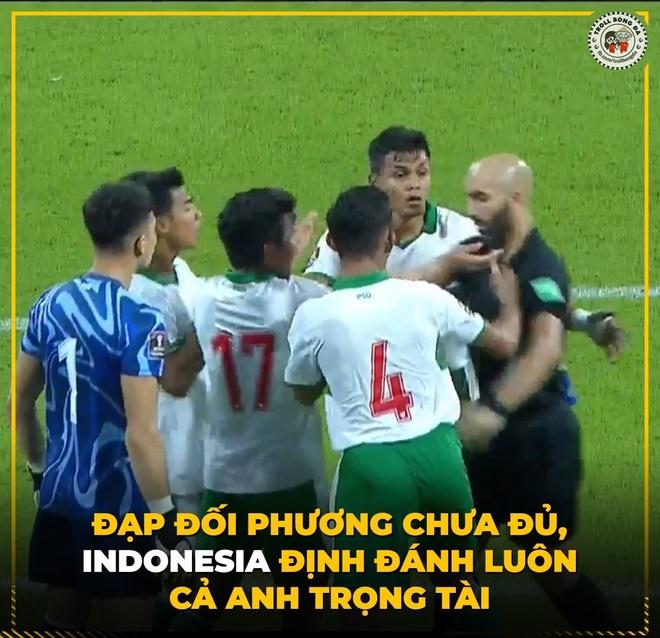 Dân mạng chế ảnh châm biếm lối đá bạo lực của đội tuyển Indonesia - 7