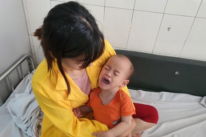 Bạn đọc giúp đỡ người mẹ hiếm muộn sinh con bại não hơn 400 triệu đồng - 2