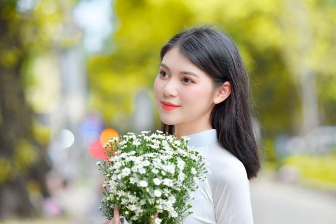 Vẻ đẹp giản dị mà say lòng người của nữ sinh Hà thành  - 1