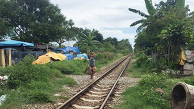 F2 đi bộ suốt 5 ngày từ Bắc Giang trốn về nhà, người thân không cho vào - 1