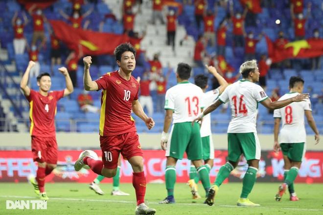 Đội tuyển Việt Nam và UAE đua song mã, Thái Lan đón nhận bi kịch - 1