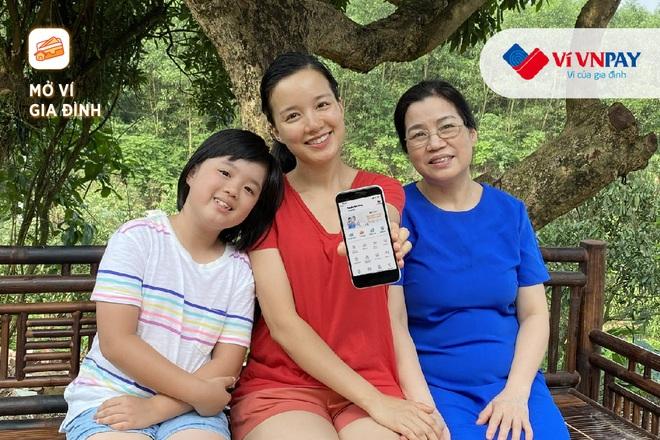 Hồng Diễm, MC Minh Trang tiết lộ cách quan tâm bố mẹ tinh tế khi quá bận rộn - 2