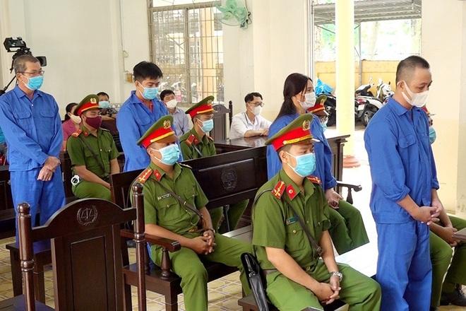 Bốn đối tượng đưa người Trung Quốc xuất cảnh trái phép lĩnh 28 năm tù - 2