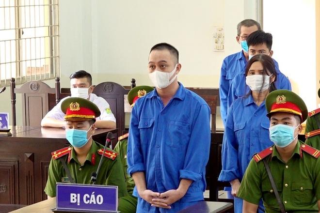 Bốn đối tượng đưa người Trung Quốc xuất cảnh trái phép lĩnh 28 năm tù - 1